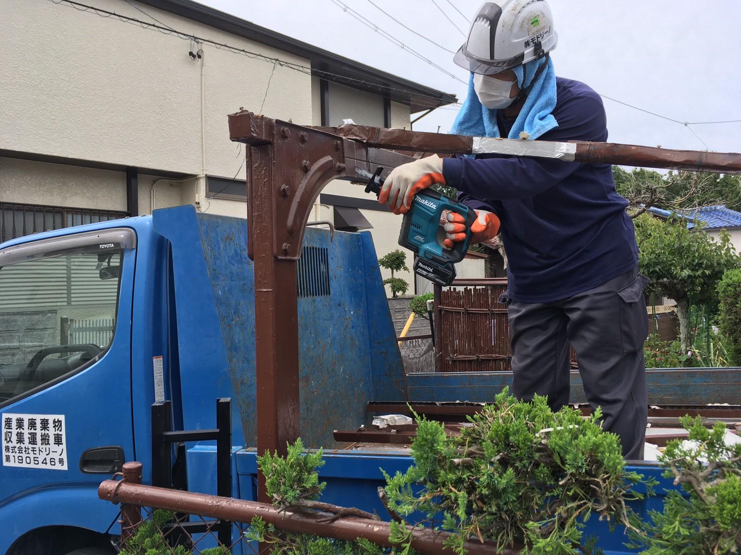 日進市 カーポート撤去工事のアイキャッチ